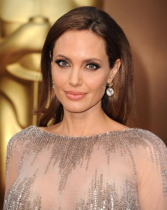Angelina-Jolie-Oscars-2014-Earrings